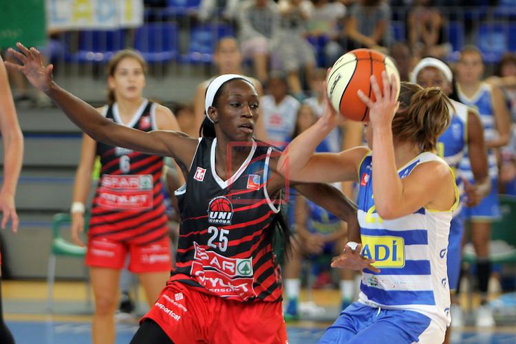 XXVIII Lliga Catalana Femenina 2016.<br /> Cadi La Seu vs Spar Citylift Girona: 71-57.<br /> Ifunanya Ibekwe vs Svenja Brunckhorst.