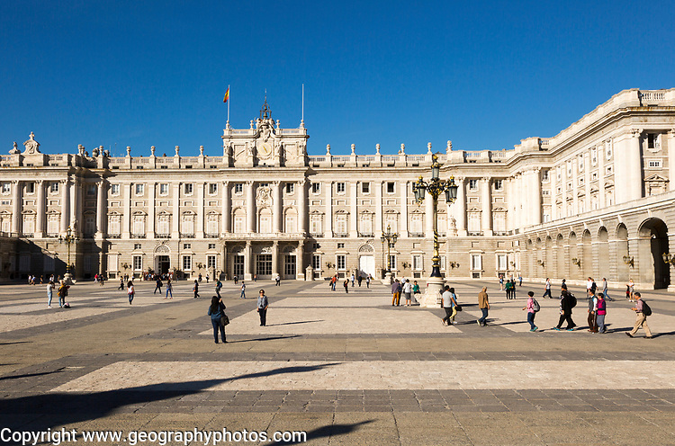 Plaza de la Armeria, Armory Square, Palacio Real royal palace, Madrid, Spain