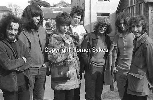 Juliet Sykes. L-R. Chris Harris, Mike Ward, Juliet Watson, Andrew Watt, Dave Whiting, Pickles (yr below us) James Rowlands. Sidcot School East Reunion 1971. ..My ref 16/231/, 1971,