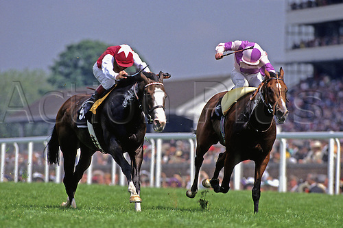 20 June 1991: Ray Cochrane rides Polish Patriot (right) to victory over Willie Carson on Chicarica in the Cork and Orrery Stakes at Royal Ascot Photo: Chris Barry/actionplus...horse racing 910620