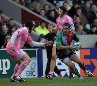 Twickenham, Great Britain, 20/01/2008. Quins Tani FUGA, looks for a way through the Stade defence, during the third round, Heineken Cup Match, Harlequins vs Stade Francais at the Twickenham Stoop, England.  [Mandatory Credit Peter Spurrier/Intersport Images