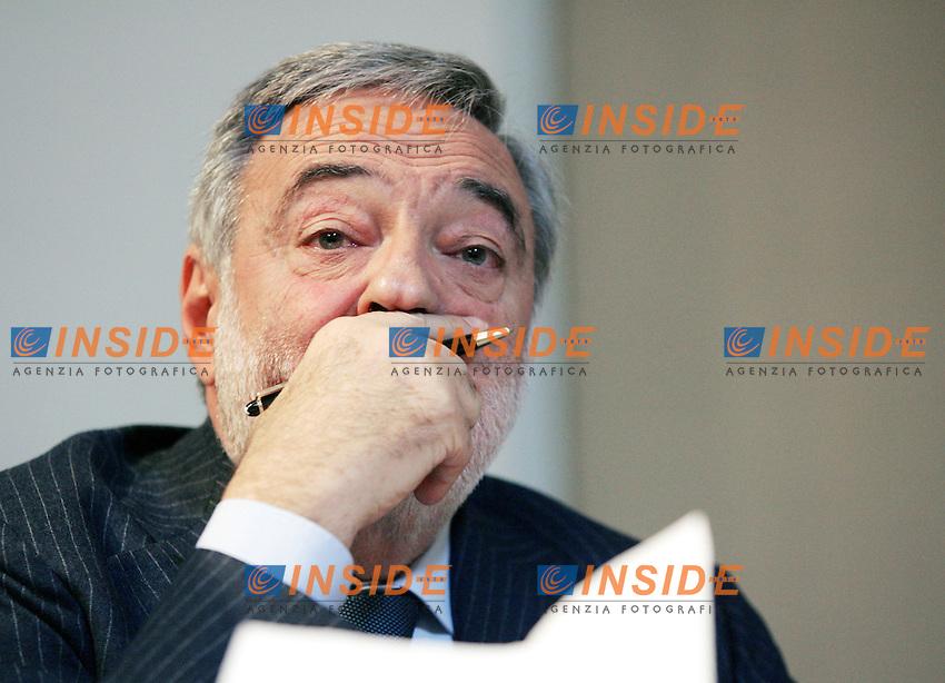 Roma, 11/12/2006<br /> <br /> Residenza di Ripetta, Verso il Partito Democratico.<br /> <br /> Assemblea nazionale dei rappresentanti delle citt&agrave;, delle provincie, delle regioni. CRESCITA E INNOVAZIONE:<br /> <br /> IL RUOLO DI COMUNI, PROVINCE, REGIONI. <br /> <br /> Nella foto: Luigi Nicolais, Ministro per le Riforme e le innovazioni nella Pubblica Amministrazione.<br /> <br /> Photographer Antonietta Baldassarre INSIDE<br /> <br /> sito Web www.Insidefoto.com