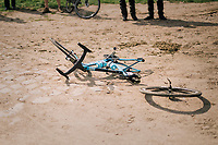 "post-crash mechanical issues...<br /> <br /> Antwerp Port Epic 2018 (formerly ""Schaal Sels"")<br /> One Day Race:  Antwerp > Antwerp (207 km; of which 32km are cobbles & 30km is gravel/off-road!)"