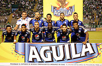 PALMIRA -COLOMBIA-15-02-2015. Jugadores del Millonarios posan para una foto de grupo previo al encuentro con Deportivo Cali por la fecha 7 de la Liga Aguila I 2015 jugado en el estadio Palmaseca de la ciudad de Palmira./  Players of Millonarios pose to a photo prior the match against Deportivo Cali for the 7th date of Aguila League I 2015 played at Palmaseca stadium in Palmira city Photo: VizzorImage/ Juan C. Quintero /STR