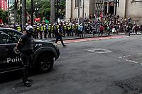 Sao Paulo, 22.01.2019 - ATO CONTRA O AUMENTO - O MPL (Movimento Passe Livre) organizou na tarde desta terça-feira (22), o terceiro grande ato contra o aumento das tarifas do transporte publico, na regiao da Praça da Se, centro de Sao Paulo; novos valores, de R$ 4,30, passaram a vigorar no ultimo dia 7.  (Foto: Carla Carniel/Código19)
