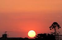 SÃO PAULO,SP,08 MARÇO 2012 - POR DO SOL ZONA LESTE<br /> Por do sol na região do Sapopemba na zona leste de São Paulo.FOTO ALE VIANNA / BRAZIL PHOTO PRESS.