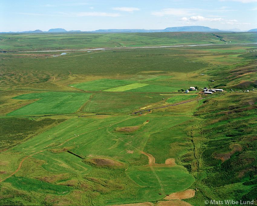 Ljósavatn (býlið) séð til suðausturs, Þingeyjarsveit áður Ljósavtanshreppur / Ljosavatn farm viewing southeast, Thingeyjarsveit former Ljosavatnshreppur.