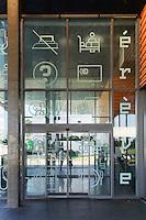 Maison des etudiants -  Erève - Espace rencontres et vie étudiante.Architectes J.-P. Lanoire, S. Courrian, 2004