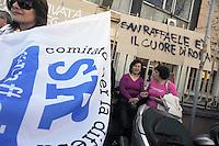 Roma, 7 Aprile 2010.Sede Regione Lazio .Via Rosa Raimondi Garibaldi.Lavoratori e lavoratrici delle strutture sanitarie del gruppo San Raffaele manifestano contro i previsti licenziamenti.