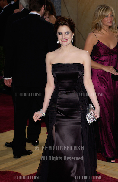 DREW BARRYMORE at the 77th Annual Academy Awards at the Kodak Theatre, Hollywood, CA.February 27, 2005; Los Angeles, CA..© Paul Smith / Featureflash