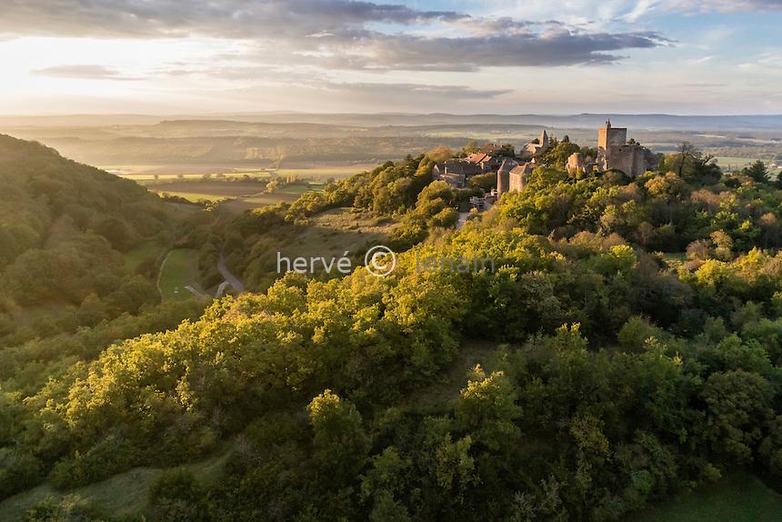France, Saône-et-Loire (71), Martailly-les-Brancion, Brancion (vue aérienne) // France, Saone et Loire, Martailly les Brancion, Brancion (aerial view)