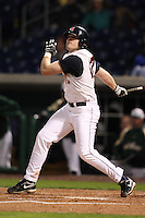 February 27, 2010:  First Baseman Matt Dittman (17) of the Illinois Fighting Illini during the Big East/Big 10 Challenge at Bright House Field in Clearwater, FL.  Photo By Mike Janes/Four Seam Images