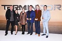 "LONDON, UK. October 17, 2019: Tim Miller, Natalia Reyes, Linda Hamilton, Arnold Schwarzenegger, Mackenzie Davis and Gabriel Luna at the ""Terminator: Dark Fate"" photocall, London.<br /> Picture: Steve Vas/Featureflash"