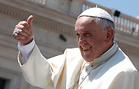 Papa Francesco tiene l'udienza generale del mercoledi' in Piazza San Pietro, Citta' del Vaticano, 11 giugno 2014.<br /> Pope Francis gives his thumb up during his weekly general audience in St. Peter's Square at the Vatican, 11 June 2014.<br /> UPDATE IMAGES PRESS/Isabella Bonotto<br /> <br /> STRICTLY ONLY FOR EDITORIAL USE