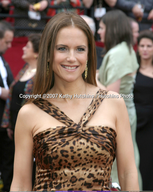 Kelly Preston.79th Annual Academy Awards.Kodak Theater .Hollywood & Highland.Hollywood, CA.February 25, 2007.©2007 Kathy Hutchins / Hutchins Photo....