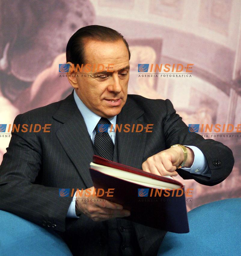 Roma, 10/02/06 Consiglio dei Ministri<br /> Nella foto il presidente del Consiglio Silvio Berlusconi<br /> Photo Serena CRemaschi Insidefoto