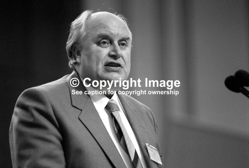 Norman Willis, general secretary, Trades Union Congress, UK, on platform addressing at annual conference September 1986. 19860911NW2<br />