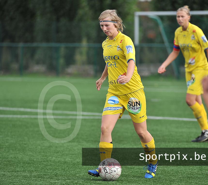 Dames Zulte Waregem - WB Sinaai Girls : Elke Van Driessche<br /> foto David Catry / VDB