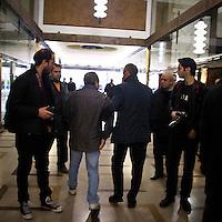 """""""Elezioni subito"""" manifestazione organizzata al teatro Manzoni da Giuliano Ferrara comntro il governo Monti..Un contestaore viene allontanato dalla Polizia"""