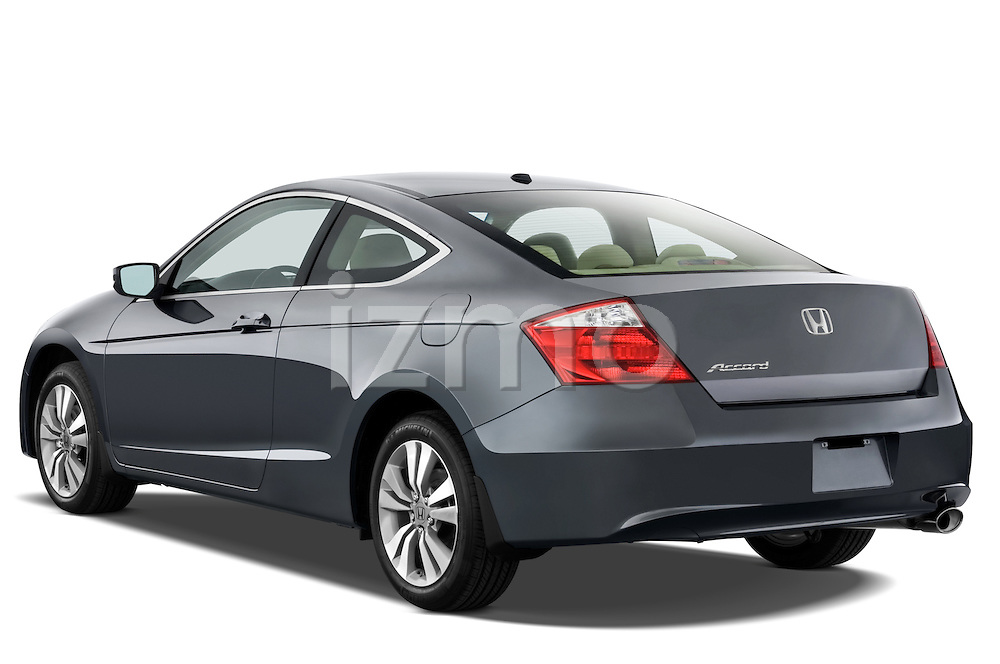 Rear three quarter view of a 2008 Honda Accord Coupe