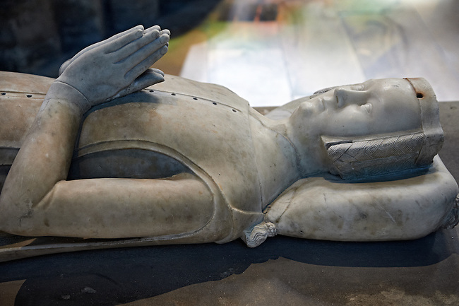 Medieval tomb and statue of Jeanne de France, son of French King Philippe VI of Valois and of Blanche of Navarre, 1332 - 1398. The Gothic Cathedral Basilica of Saint Denis ( Basilique Saint-Denis ) Paris, France.  A UNESCO World Heritage Site.