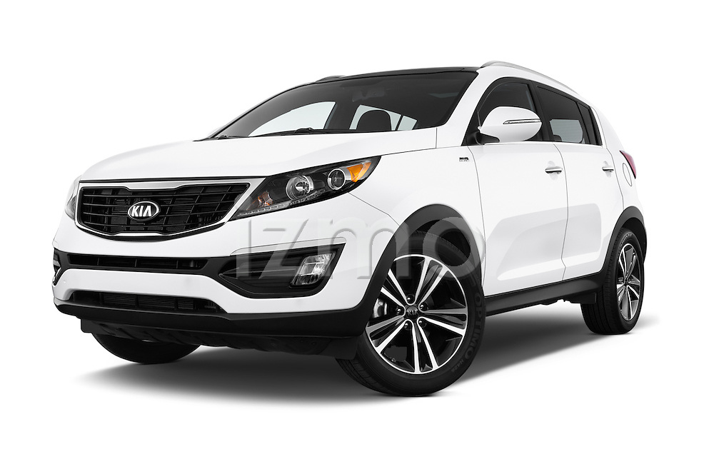 Stock pictures of low aggressive front three quarter view of 2016 KIA Sportage SX 5 Door Suv Low Aggressive