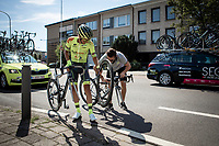 flat tire mechanical<br /> <br /> 94th Schaal Sels 2019<br /> One Day Race: Merksem  >  Merksem  (UCI 1.1)<br /> ©kramon