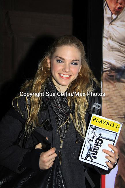 Bold and The Beautiful Mackenzie Mauzy (and