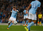 Kevin De Bruyne of Manchester City scores the first goal during the Champions League Group F match at the Emirates Stadium, Manchester. Picture date: September 26th 2017. Picture credit should read: Andrew Yates/Sportimage