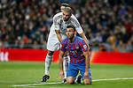 Real Madrid´s Pepe (L) and Levante´s Barral during La Liga match at Santiago Bernabeu stadium in Madrid, Spain. March 15, 2015. (ALTERPHOTOS/Victor Blanco)