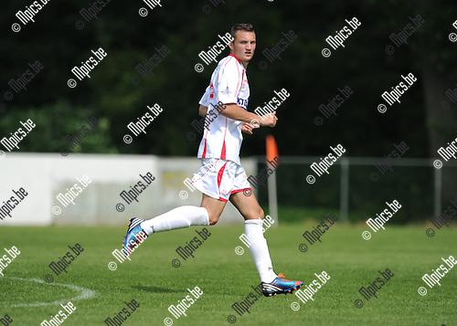 2013-07-15 / Voetbal / seizoen 2013-2014 / Rapid Leest - Hoogstraten VV / Steven Edwards<br /><br />Foto: Mpics.be