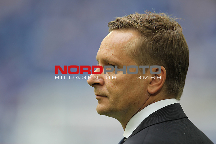 11.08.2013, VELTINS Arena, Gelsenkirchen, Deutschland, 1. FBL, FC Schalke 04 vs. Hamburger SV, im Bild <br /> Horst Heldt (Sportvorstand Schalke)<br /> <br /> Foto &not;&copy; nph / Mueller *** Local Caption ***