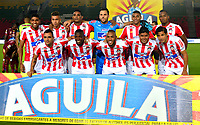 IBAGUE - COLOMBIA, 20-02-2019: Los jugadores del Atlético Junior, posan para una foto antes de partido aplazado entre Deportes Tolima y Atlético Junior de la fecha 1 de la Liga Águila I 2019, jugado en el estadio Manuel Murillo Toro de la ciudad de Ibague. / Players of Atletico Junior, pose for a photo prior a posponed match between Deportes Tolima and Atletico Junior of the 1st date for the Aguila League I 2019, played at Manuel Murillo Toro stadium in Ibague city. Photo: VizzorImage / Juan Carlos Escobar / Cont.
