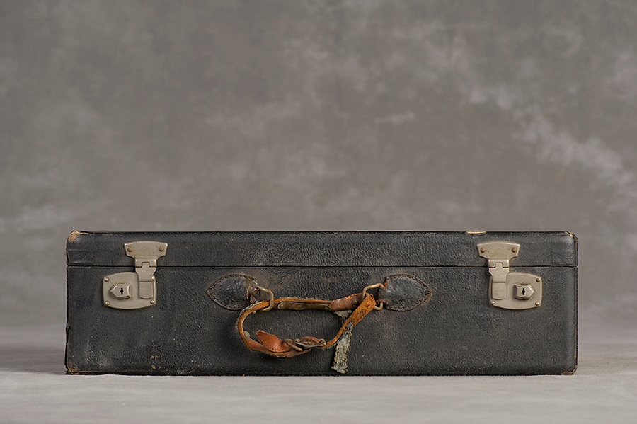 Willard Suitcases / William S / ©2014 Jon Crispin