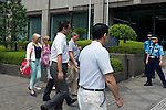 Nicola Furlong's father Andrew, sister, Andrea and mother Angela arrive at the Tokyo Family Court in Tokyo, Japan on 27 July, 2012. Photographer: Robert Gilhooly