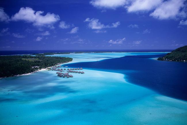 FRENCH POLYNESIA, SOCIETY ISLANDS, BORA BORA, AERIAL VIEW OF PEARL BEACH RESORT