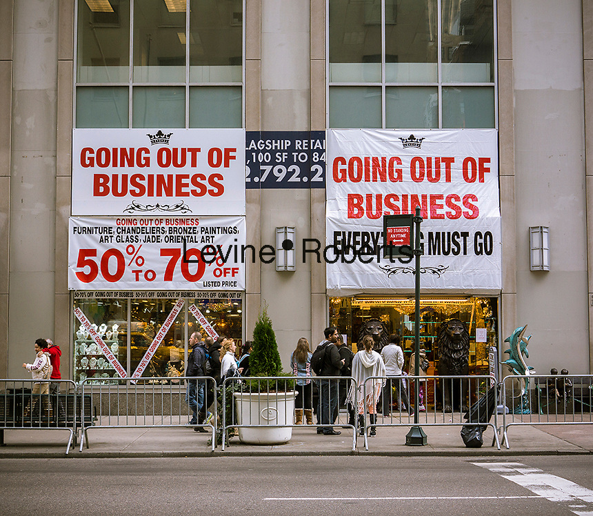 Store going out of business on Fifth avenue in New York on Sunday, November 10, 2013. (© Richard B. Levine)