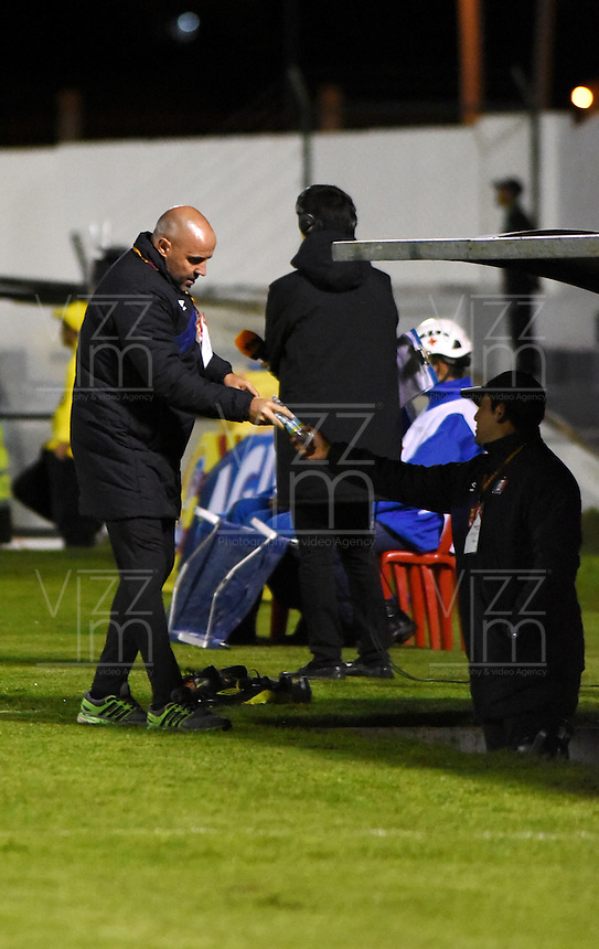TUNJA - COLOMBIA -04-11-2016: Javier Torrente, técnico de Once Caldas,  durante partido entre Patriotas FC y Once Caldas,  por la fecha 19 de la Liga de Aguila II 2016 en el estadio La Independencia en la ciudad de Tunja. / Javier Torrente, coach of Once Caldas,  during a match between Patriotas FC and Once Caldas, for date 19 of the Liga de Aguila II 2016 at La Independencia stadium in Tunja city. Photo: VizzorImage  /  Cesar Melgarejo / Cont.