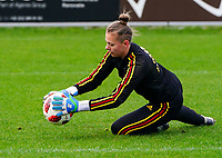 20200226 Kalmthout, BELGIUM : Belgian goal keeper Lea Desmarais wams up before international friendly soccer match between the national youth Women Under 17 teams of Belgium and the Netherlands, a friendly game in preparation for the UEFA Elite rounds in March in Belgium for the Belgian team, Wednesday 26th of February 2020 at Sportpark Heikant in Kalmthout, BELGIUM. PHOTO: SPORTPIX.BE | Sevil Oktem
