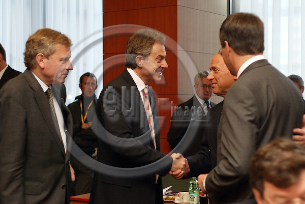 Belgium---Brussels---EU-Summit---italian presidency---Tour de Table/Round Table  17.10.2003.Jaap de Hoop SCHEFFER, Foreign Minister, Netherlands; Tony BLAIR, Prime Minister of the UK, England Great Britain; Silvio BERLUSCONI, Prime Minister of Italy; ,Jan Peter BALKENENDE , Prime Minister, netherlands.Portrait  ;              ..PHOTO:  / ANNA-MARIA ROMANELLI / EUP-IMAGES