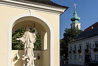 Statue Nepomuk in Grinzing bei Wien, &Ouml;sterreich<br /> Statue Nepomuk in Grinzing near Vienna, Austria