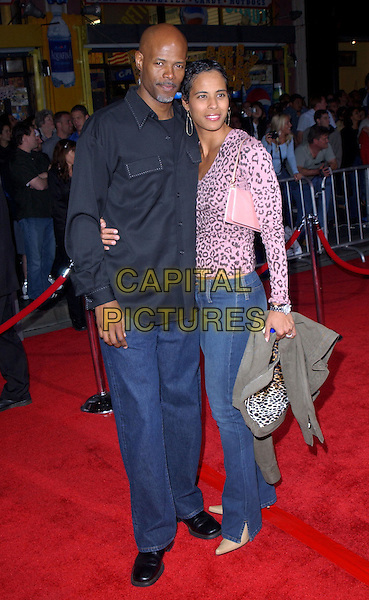 KEENEN IVORY WAYANS & DATE.Los Angeles Premiere of The LadyKillers held at The El Capitan Theatre in Hollywood, California .12 March 2004.*UK Sales Only*.full length, full-length.www.capitalpictures.com.sales@capitalpictures.com.©Capital Pictures.