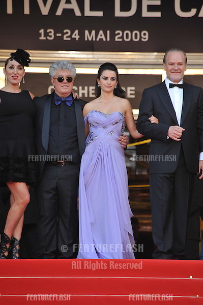 "Penelope Cruz, Pedro Almodovar, Rossy de Palma & Lluis Homar at the premiere of their new movie ""Broken Embraces"" in competition at the 62nd Festival de Cannes..May 19, 2009  Cannes, France.Picture: Paul Smith / Featureflash"