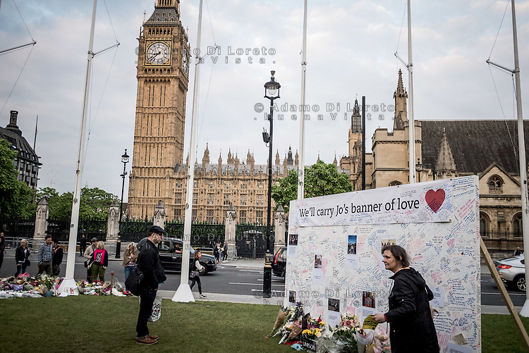 An image and floral tributes for Jo Cox placed outside the Houses of Parliament. London City view before the Brexit Referendum, on june, 2016. Photo: Adamo Di Loreto/buenaVista*photo on june, 2016. Photo: Adamo Di Loreto/buenaVista*photo