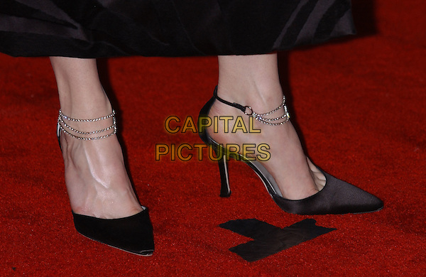 RENEE ZELLWEGER.shoes.60th Golden Globe Awards.www.capitalpictures.com.sales@capitalpictures.com.© Capital Pictures.ankle chain heels
