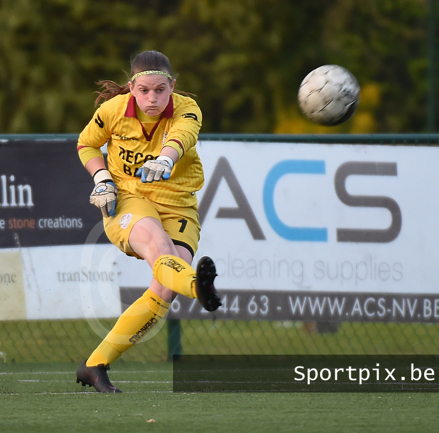 20170414 - Zulte , BELGIUM : Zulte Waregem's Ianthe Meersschaert  pictured during the soccer match between the women teams of Zulte Waregem and AA Gent Ladies , in the semi final matchday of the Belgian CUP - Beker van Belgie voor Vrouwen competition on Friday 14th April 2017 in Zulte .  PHOTO SPORTPIX.BE DIRK VUYLSTEKE