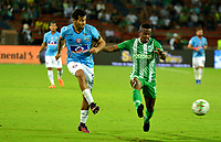 MEDELLÍN-COLOMBIA, 18-08-2019: Yerson Candelo de Atlético Nacional y Fernando Battiste de Unión Magdalena disputan el balón, durante partido de la fecha 6 entre Atlético Nacional y Unión Magdalena, por la Liga Águila II 2019, jugado en el estadio Atanasio Girardot de la ciudad de Medellín. / Yerson Candelo of Atletico Nacional and Fernando Battiste of Union Magdalena figth for the ball, during a match of the 6th date between Atletico Nacional and Union Magdalena, for the Aguila Leguaje II 2019 played at the Atanasio Girardot Stadium in Medellin city. / Photo: VizzorImage / León Monsalve / Cont.