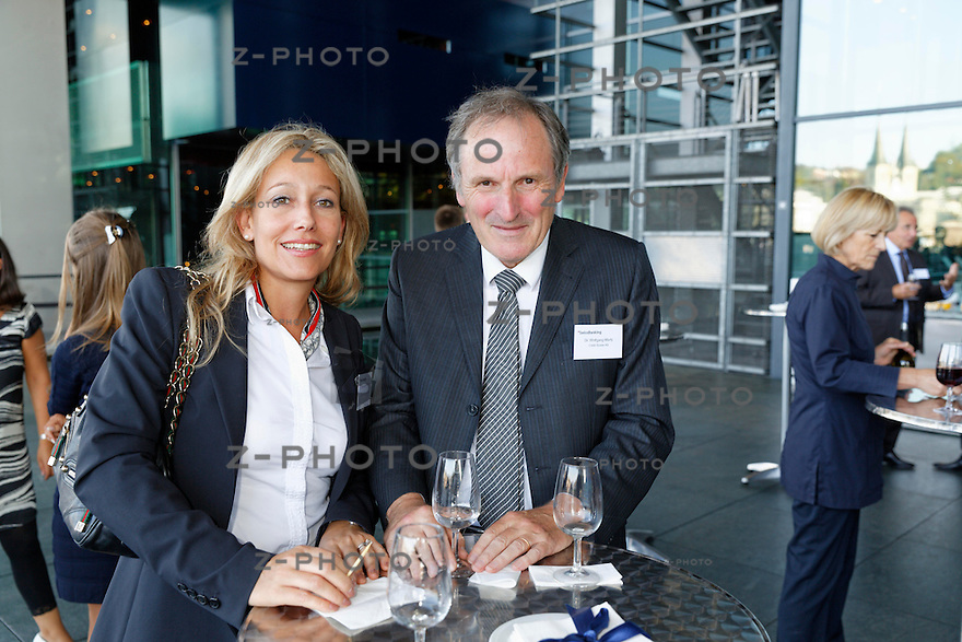 v.l.n.r. Miriam Munari; Credit Suisse Group, Dr. Wolfgang Marty; Credit Suisse AG<br /> am Bankiertag vom 16. September 2014 im KKL<br /> Luzern<br /> <br /> Copyright &copy; Zvonimir Pisonic