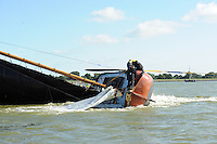 SKÛTSJESILEN: LEMMER: 08-08-2015, IFKS skûtsjesilen, omgeslagen skûtsje ' van  schipper Michael Boxum 'de Galamadammen' (C-klasse), ©foto Martin de Jong