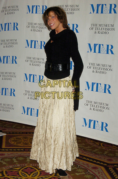 CARLY SIMON.At the Museum of Television & Radio's Annual Gala this year honoring Sir Howard Stringer and Sony Corporation at the Waldorf-Astoria Hotel, New York, New York, USA, 08 February 2007..full length.CAP/ADM/BL.©Bill Lyons/AdMedia/Capital Pictures. *** Local Caption ***